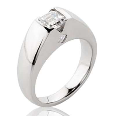 1CT DIAMOND + 2 ACCENT DIAMONDS IN SOLID PLATINUM