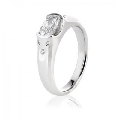 1CARAT ARGYLE DIAMOND + SOLID PLATINUM + ROUND BRILLIANT DIAMONDS
